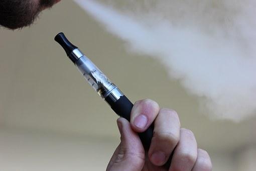 Arrêter de fumer avec la cigarette électronique.