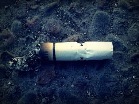 Les cigarettes sans nicotine  ni goudron.